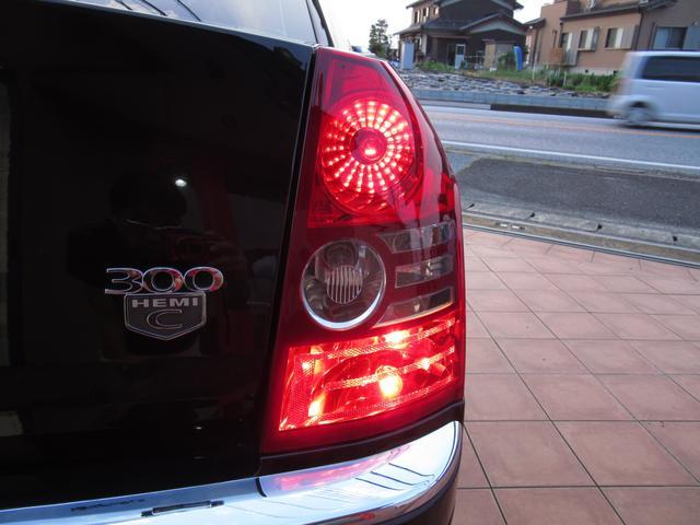 「クライスラー」「クライスラー 300C」「セダン」「滋賀県」の中古車31