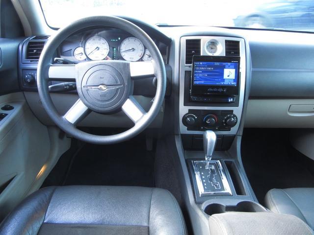 「クライスラー」「クライスラー 300」「セダン」「滋賀県」の中古車14