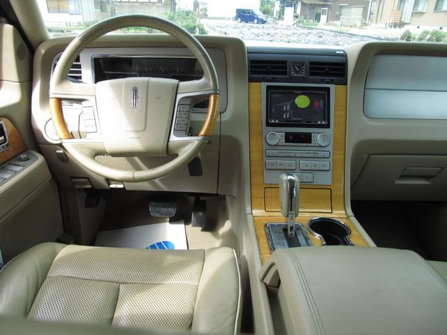 「リンカーン」「リンカーン ナビゲーター」「SUV・クロカン」「滋賀県」の中古車16