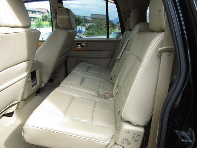 「リンカーン」「リンカーン ナビゲーター」「SUV・クロカン」「滋賀県」の中古車25