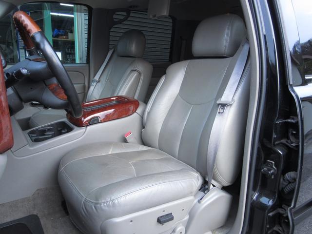 「シボレー」「シボレー サバーバン」「SUV・クロカン」「滋賀県」の中古車16