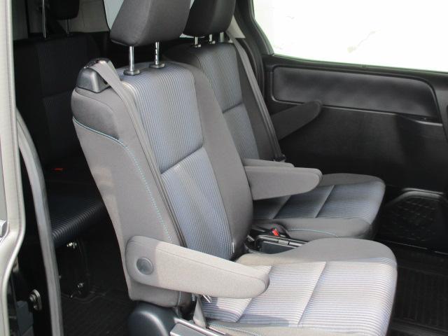 トヨタ ヴォクシー ZS ナビ 両側電動スライドドア LEDヘッドライト