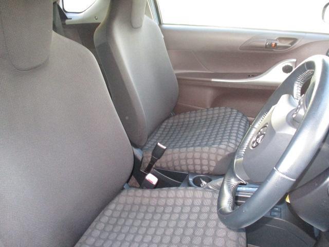 トヨタ iQ 100G スマートエントリー CDステレオ