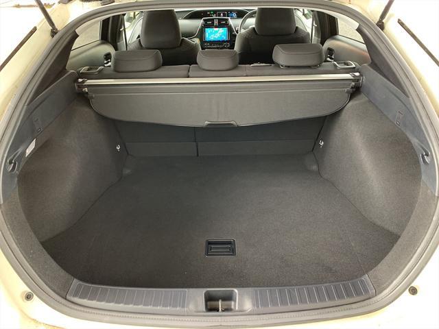 S トヨタセーフティーセンス/純正SDナビ/ビルトインETC/バックカメラ/LEDヘッドライト/フォグ/レーダークルーズ/スマートキー/モデリスタエアロセット/フルセグTV/Bluetooth接続(18枚目)