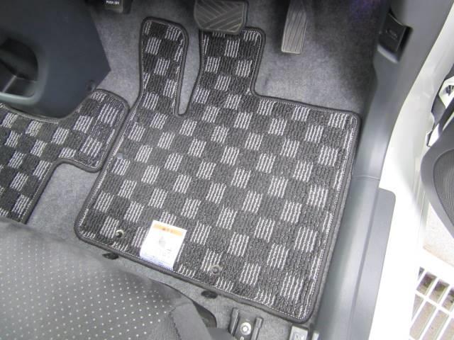 スズキ ソリオ ブラック&ホワイト アイドリングストップ 社外ナビ 両側電動