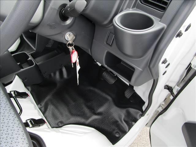 KC 4WD AT DCBS エアコン パワステ AM FMラジオ 両席エアバッ ABS 三方開 アングル 間欠ワイパー(15枚目)