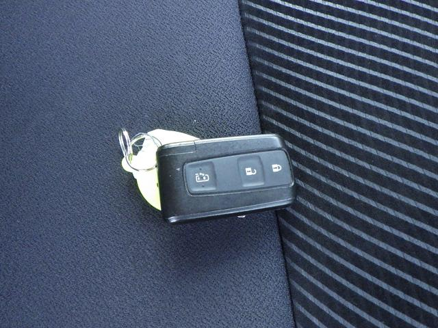 カスタムXリミテッド 片側電動スライドドア CDデッキ HIDヘッドライト ABS Wエアバッグ ベンチシート スマートキー 電格ミラー フォグランプ 純正アルミホイール(24枚目)