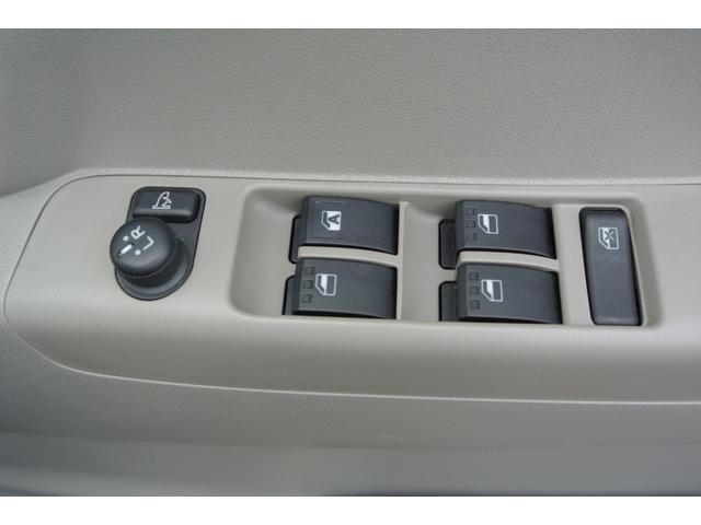 電動格納ミラーで、サイドのミラーの開け閉め楽々!!角度調整もバッチリできます♪♪お電話でのお問い合わせは、0066-9704-936202迄お気軽にご連絡下さいませ!