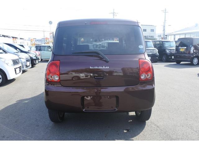 こちらのお車はマニュアルエアコン装備車です♪お電話でのお問い合わせは、0066-9704-936202迄お気軽にご連絡下さいませ!