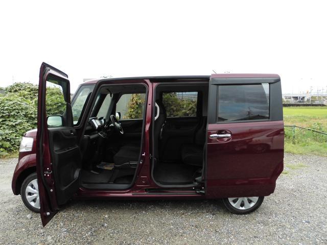 両側電動スライドドアのお車です。乗り降りもしやすく荷物も積みやすくて便利ですね♪