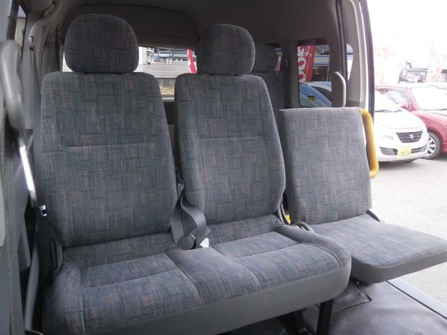 トヨタ ハイエースコミューター ロングワイド ウェルキャブ PWスライド 車椅子2積