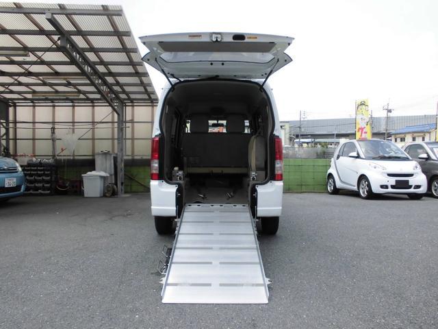 4WD 福祉車両 車いす移動車 リアシート付 シートヒーター(2枚目)