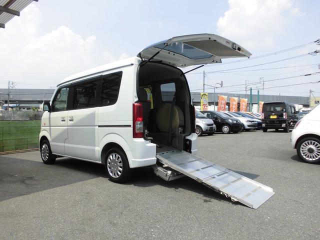 4WD 福祉車両 車いす移動車 リアシート付 シートヒーター(3枚目)