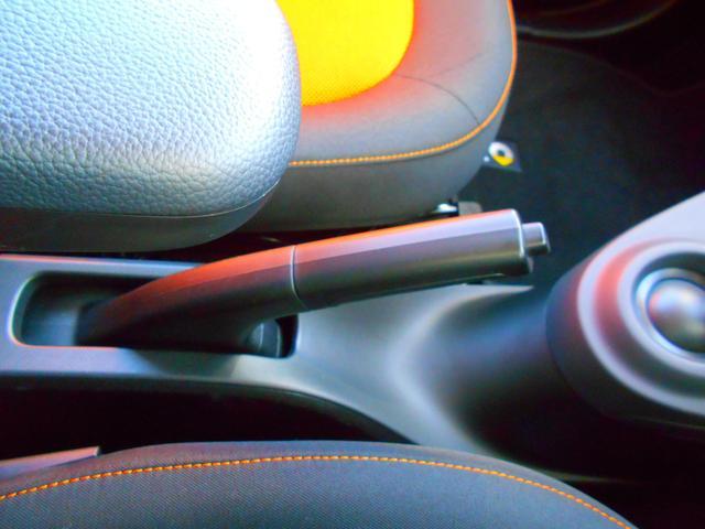 エディション1 ナビTV バックカメラ スペアキー 衝突警告 アイドリングストップ オートクルーズ オートライト オートワイパー(51枚目)
