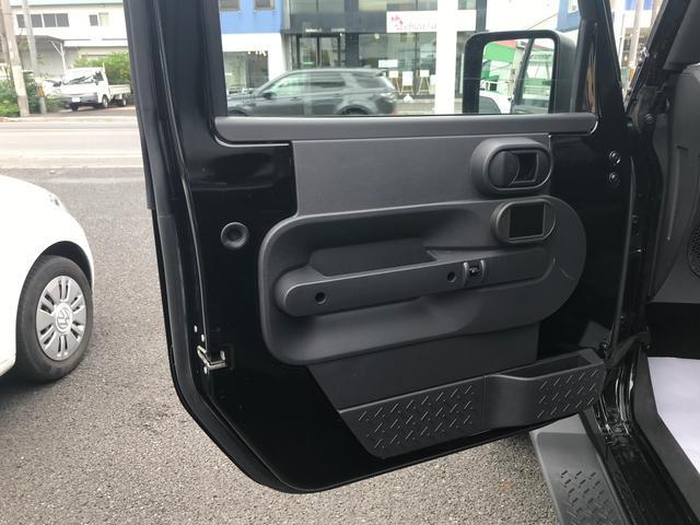 「その他」「クライスラージープ ラングラーアンリミテッド」「SUV・クロカン」「奈良県」の中古車42