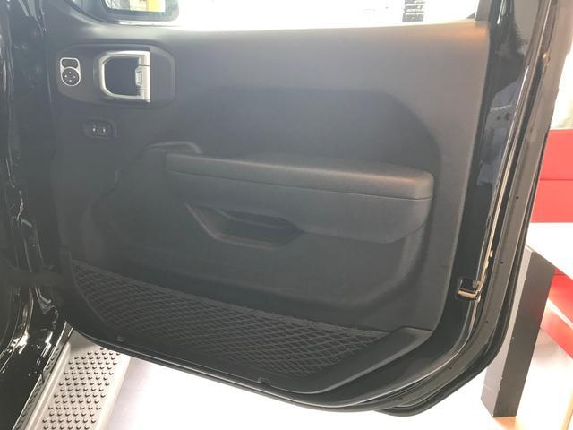 「その他」「クライスラージープ ラングラーアンリミテッド」「SUV・クロカン」「奈良県」の中古車13