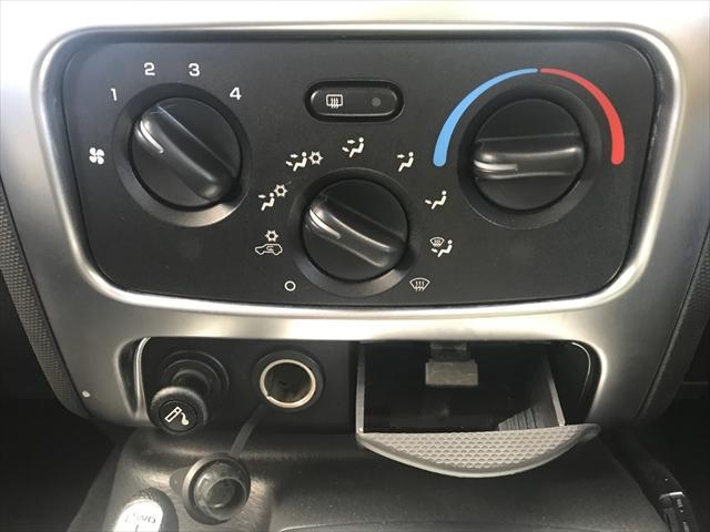 アメ車のエアコンは風量も大きくよく効きますよ。