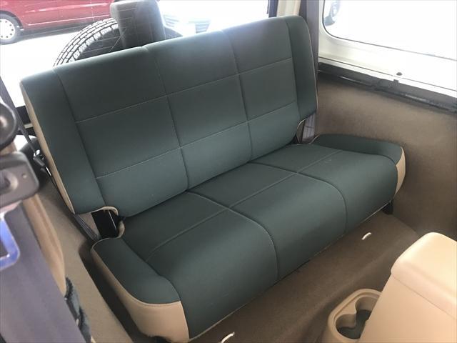 後席は使う回数も少ないのでフロント以上にキレイ!気持ち良くお乗り頂けるお車です。