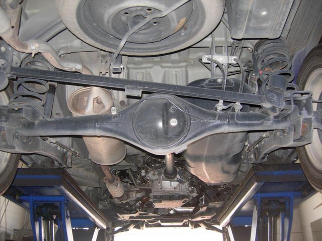 エンジン下廻りもキレイです!交換時期の部品をしっかりチェックしております!