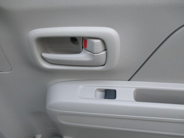うしろももちろんボタンで窓は開け閉め可能です