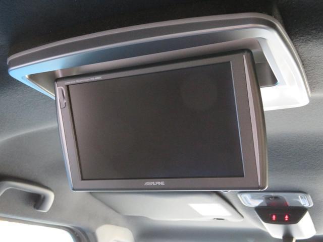 ■後席専用モニターがオプション装備されており、後席でも快適なドライブが楽しめます!