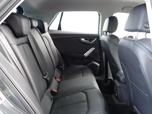 「アウディ」「アウディ Q2」「SUV・クロカン」「兵庫県」の中古車31