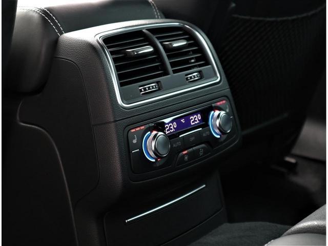 ・ドイツ車ならではのドアの重厚感を感じることができます。静粛性・安全性を向上してくれます。
