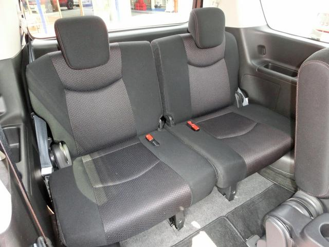 サードシートでも十分な広さを確保できます