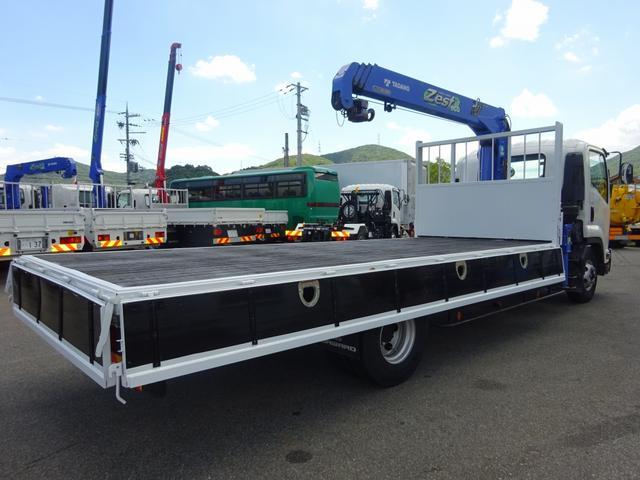 いすゞ フォワード 4段クレーン ラジコン付 標準幅 ベッドレス 2650kg積