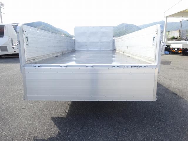 増トン 手動幌ウイング ワイド幅 ベッド付 7.1t積み(7枚目)