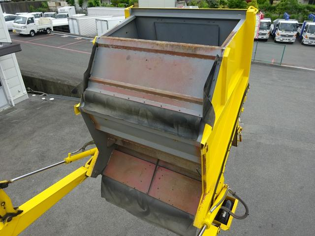 増トン車 路面清掃車 ストリートスイーパー CNG(18枚目)