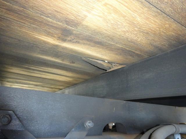 三菱ふそう ファイター アルミブロック平ボディ エアサス  ベッド付 3.6t積み