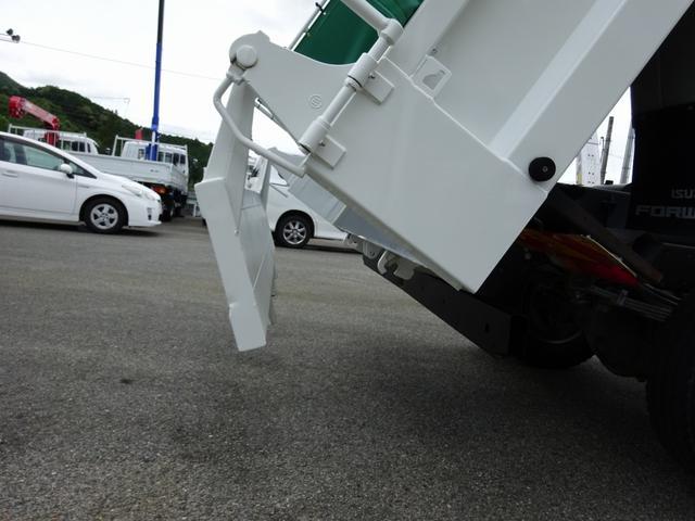 4トンダンプ 新明和 3.7t積み 標準幅 電動コボレーン(12枚目)