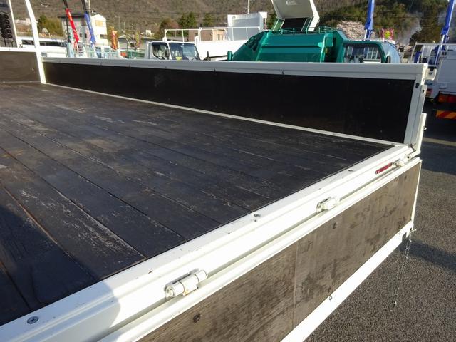 増トン クレーン付 4段 ワイド幅 ベッド付 7.8t積み(16枚目)