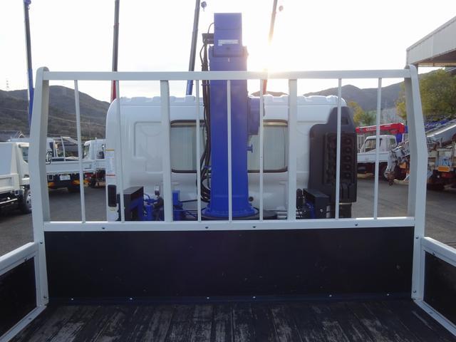 増トン クレーン付 4段 ワイド幅 ベッド付 7.8t積み(18枚目)