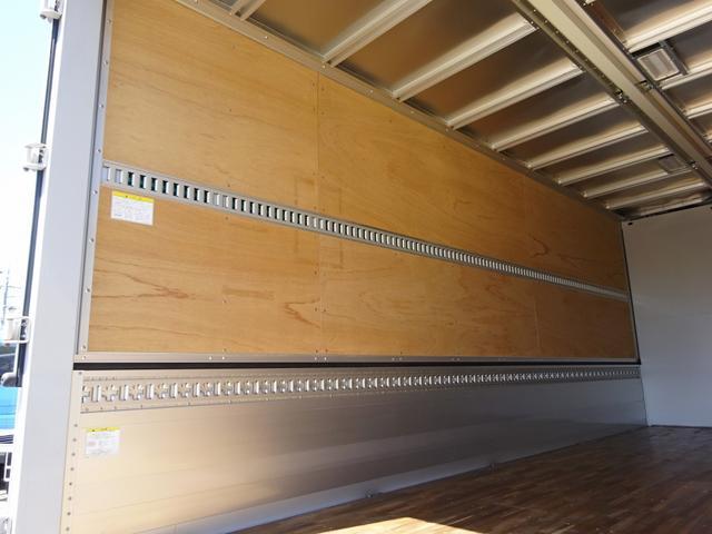 アルミウイング ワイド幅 ベッド付 3t積み 6.2mボディ(11枚目)