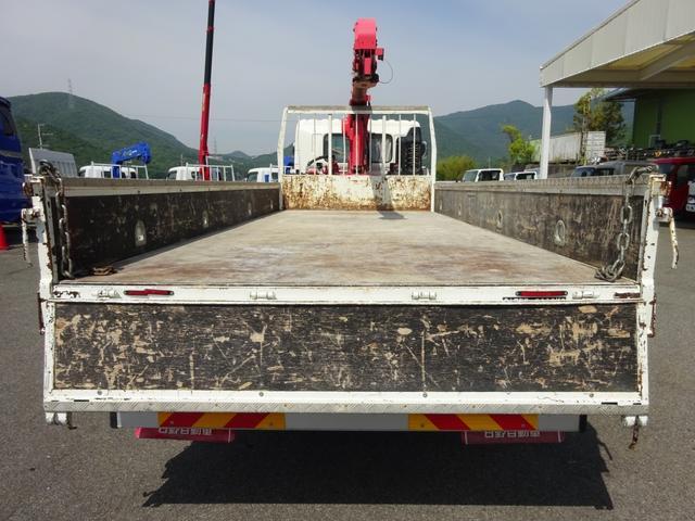 クレーン付 4段ユニック 増トン 標準幅 ベッド付 5t積み(7枚目)
