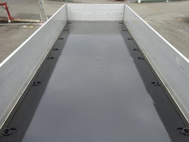 アルミブロック平ボディ 標準幅 ベッド付 3.5t積(9枚目)
