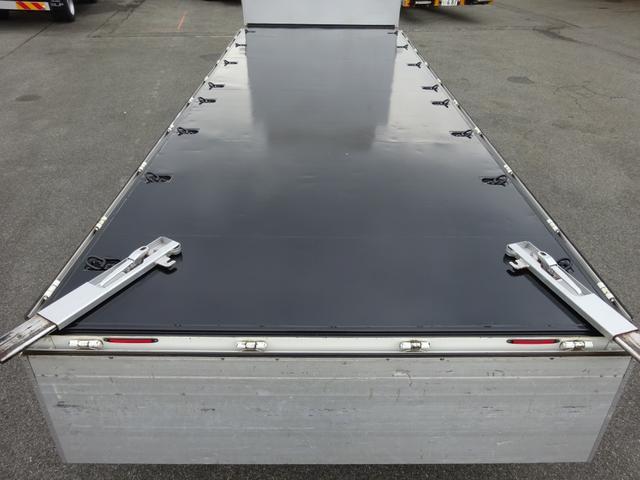 アルミブロック平ボディ 標準幅 ベッド付 3.5t積(14枚目)