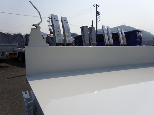 土砂ダンプ 極東開発工業 標準幅 ベッドレス 3.7t積み(9枚目)