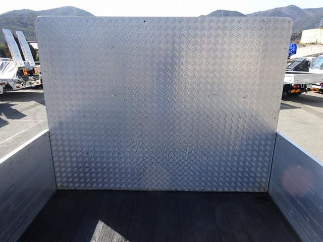 ※リヤりん木入れスペース(奥行:約2450mm)  ・開口部…幅:約600mm 高:約100mm ※ボディ前後左右、足掛け付