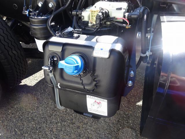 AMFMラジオ(AUX・USB端子付) 電動格納ミラー集中ドアロック キーレスエントリー イモビライザー付キー…盗難防止装置 DPF…排出ガス浄化装置(要アドブルー)