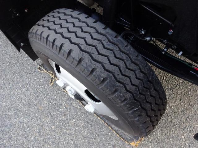 ESP…車両安定制御装置 ・横転や横滑りの危険性を抑制・低減する バッテリーイコライザー搭載車 ハロゲンヘッドランプ・ハロゲンフォグランプ