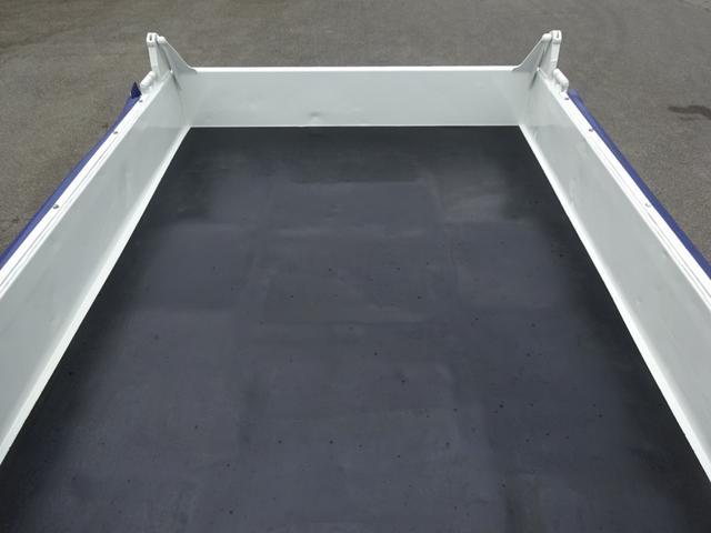 土砂ダンプ 電動コボレーン 新明和工業 角底一方開 標準 ベッドレス 3.5トン積み(15枚目)