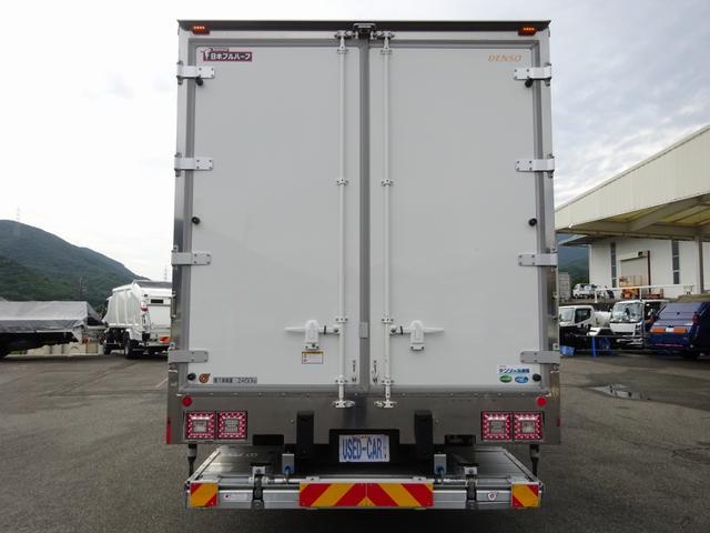 低温冷凍車 -30℃設定 床下格納ゲート 左片開き扉 ワイド ベッド付 2450kg積載(6枚目)