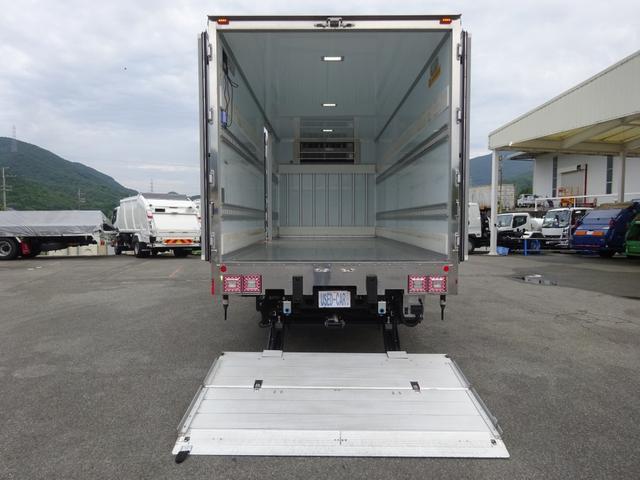低温冷凍車 -30℃設定 床下格納ゲート 左片開き扉 ワイド ベッド付 2450kg積載(7枚目)