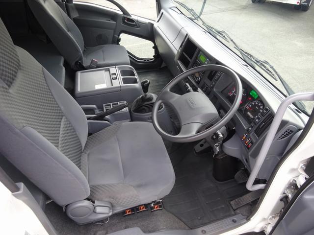低温冷凍車 -30℃設定 床下格納ゲート 左片開き扉 ワイド ベッド付 2450kg積載(8枚目)