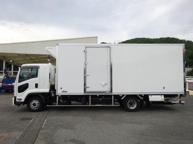 低温冷凍車 -30℃設定 床下格納ゲート 左片開き扉 ワイド ベッド付 2450kg積載(11枚目)
