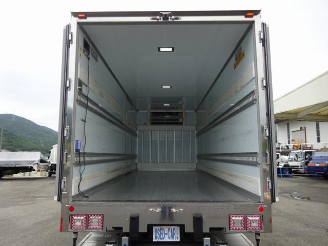 低温冷凍車 -30℃設定 床下格納ゲート 左片開き扉 ワイド ベッド付 2450kg積載(14枚目)