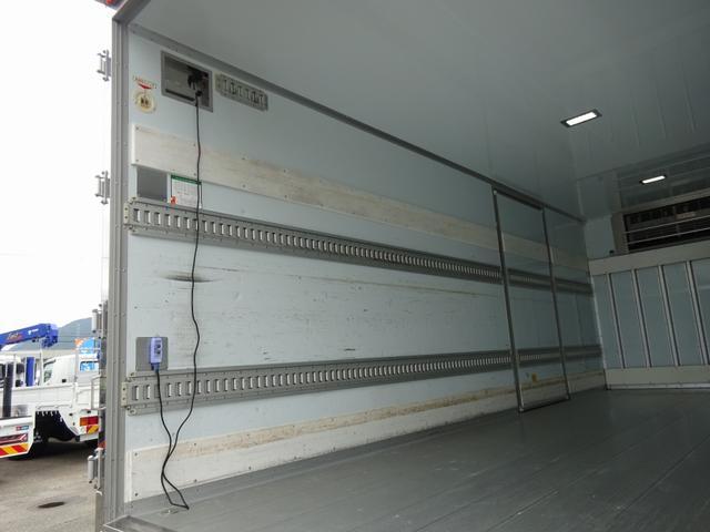 低温冷凍車 -30℃設定 床下格納ゲート 左片開き扉 ワイド ベッド付 2450kg積載(15枚目)